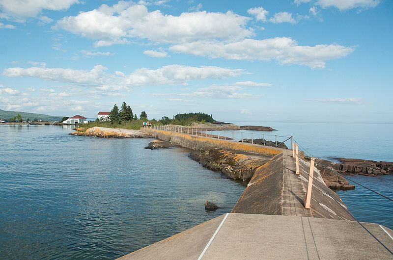 File:North Shore Trip - Beautiful Grand Marais, MN (14969233032).jpg