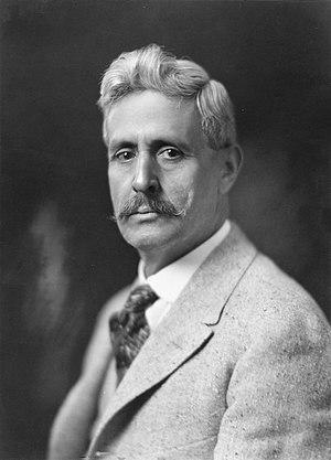 Octaviano Ambrosio Larrazolo - Image: Octaviano Larrazolo, bw photo portrait, 1919