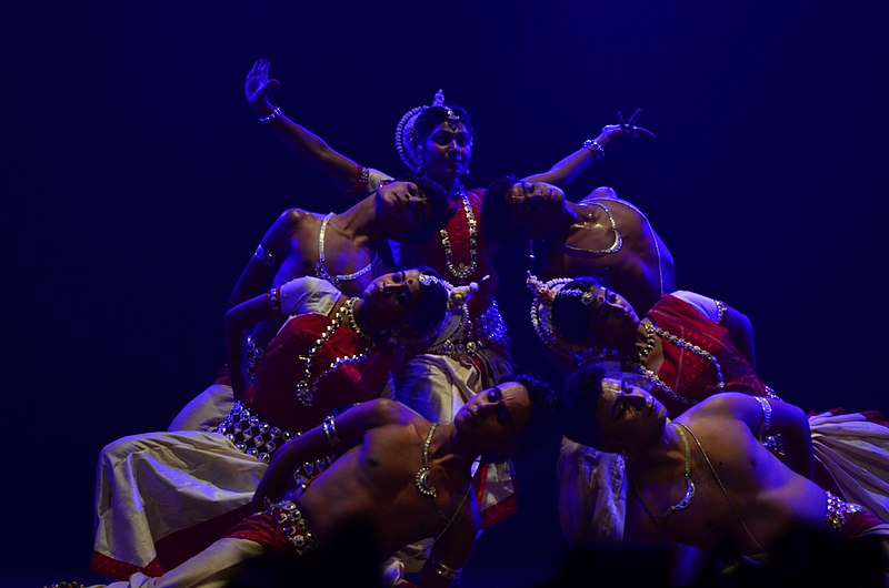 File:Odissi dance performance 38.jpg