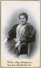 Olga Andersson, porträtt - SMV - H1 063.tif
