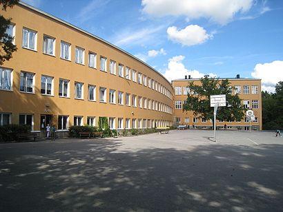 Vägbeskrivningar till Olovslundsskolan med kollektivtrafik
