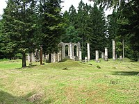Ornes, ruines de l'ancienne église.jpg