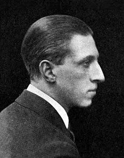 Osbert Sitwell in The Bookman volume 57 December 1919 p. 102.jpg