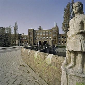 Stadionbuurt - Amsterdams Lyceum, Olympiaplein