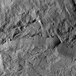 PIA20683-Ceres-DwarfPlanet-Dawn-4thMapOrbit-LAMO-image103-20160421.jpg