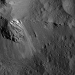 PIA22759-CeresDwarfPlanet-OccatorCrater-Dawn-20180724.jpg