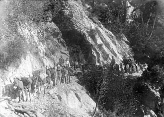 Mount Wilson (California) - Pack train to Wilson Peak, Sierra Madre Trail, ca.1900. Photo by George Wharton James.