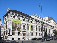 Palais Lobkowitz Vienna Oct. 2006 006.jpg