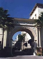 150px-Paramount_Pictures.jpg