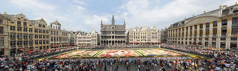 file parterre de fleurs grand place de bruxelles. Black Bedroom Furniture Sets. Home Design Ideas