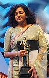 Parvathy with award.jpg