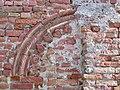 Pecetto (TO), resto di arco basso-medievale con decorazione in cotto.jpg