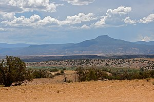 Cerro Pedernal - Pedernal viewed from Ghost Ranch