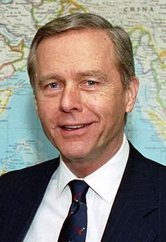 Pete Wilson meeting with Les Aspin, Feb 3, 1993 - cropped to Wilson.JPEG