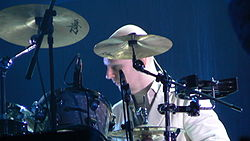 Phil Selway performing with Radiohead in 2006