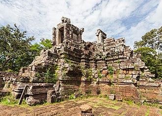 Phimeanakas - Image: Phimeanakas, Angkor Thom, Camboya, 2013 08 16, DD 09