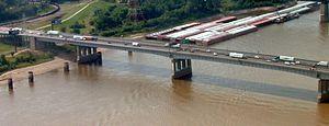 Interstate 64 - I-64 crosses the Poplar Street Bridge from Missouri to Illinois