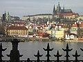 Praha, Malá Strana a Hradčany z Alšova nábřeží - panoramio.jpg