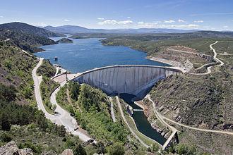 El Atazar Dam - The dam in 2014
