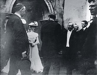 Leon Czolgosz - President McKinley greeting well-wishers at a reception in the Temple of Music minutes before he was shot September 6, 1901