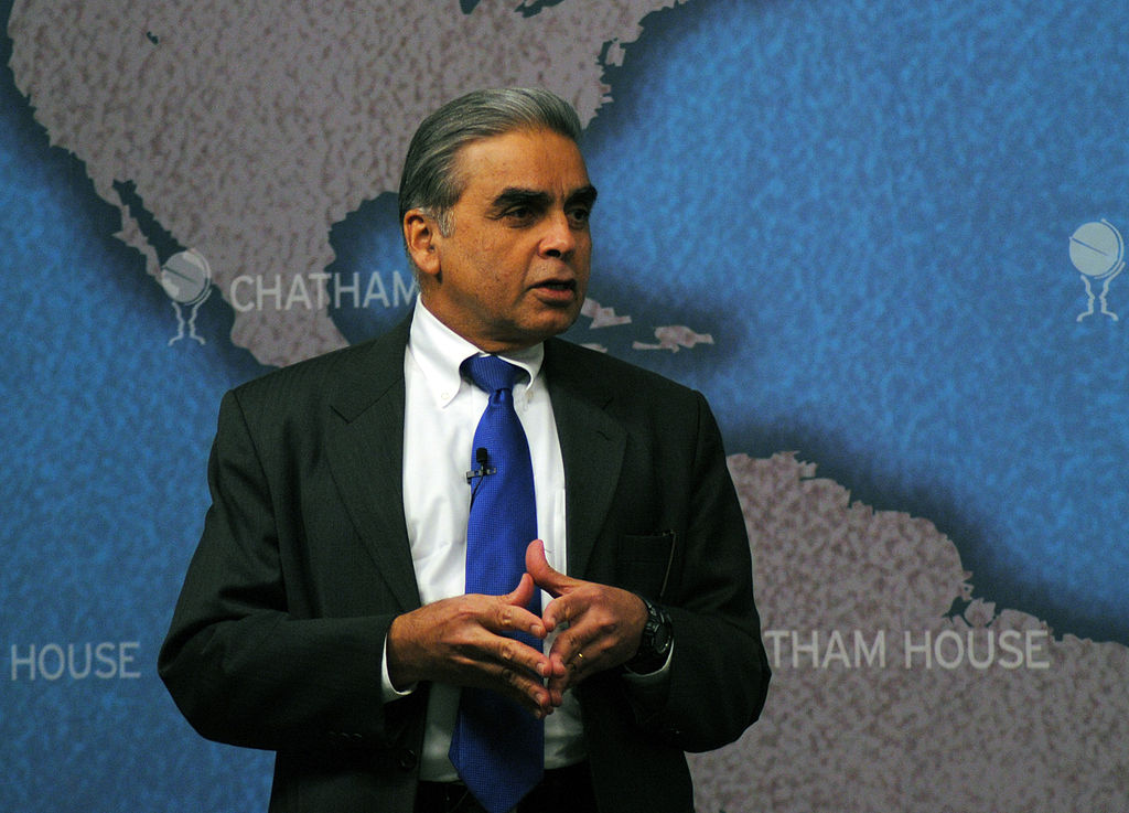 Professor Kishore Mahbubani, Author, The Great Convergence Asia, the West, and the Logic of One World (8558012190).jpg