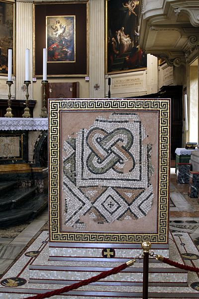 File:Pulpit - Apse - Duomo - Ravenna 2016.jpg