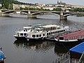 Rašínovo nábřeží, lodě Petra, Hamburg a Labe, Jiráskův most.jpg