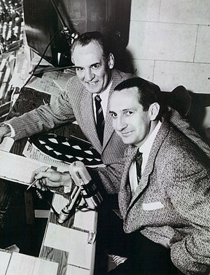 Lindsey Nelson - Nelson (foreground) with Red Grange in 1955