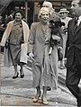 Retrato da Rainha Elizabeth dos Belgas, Condessa Carton de Wiart (1959).jpg