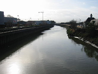 River Roding - The Roding, just before reaching the Thames at Barking