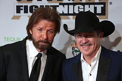 Ronnie Dunn (left) and Kix Brooks (right) in March 2017