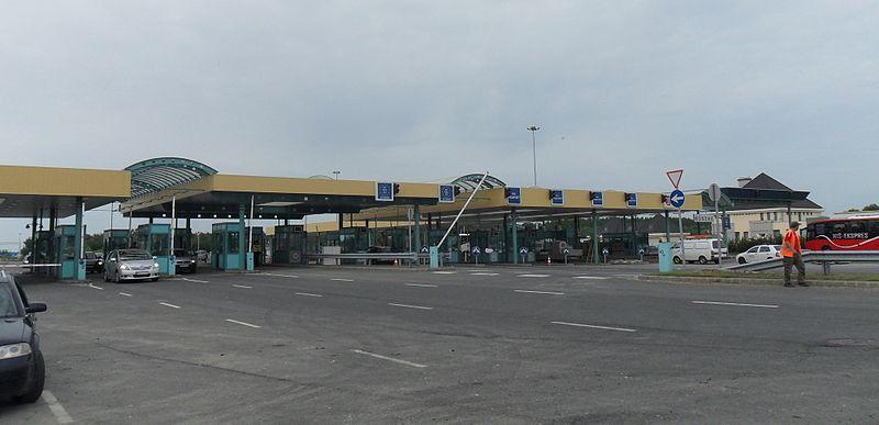 File:Roszke border.JPG