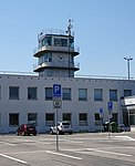 Ruzyně, staré letiště, řídicí věž.jpg