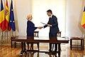 Sánchez recibe a la primera ministra de Rumanía 05.jpg