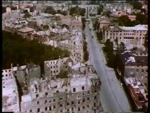 File:SFP 186 - Flug über das zerstörte München.ogv