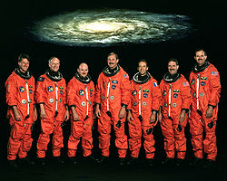 v.l.n.r. Michael Foale, Claude Nicollier, Scott Kelly, Curtis Brown, Jean-Francois Clervoy, John Grunsfeld, Steven Smith