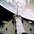 STS-93 Deployment of Chandra (deploy3).jpg
