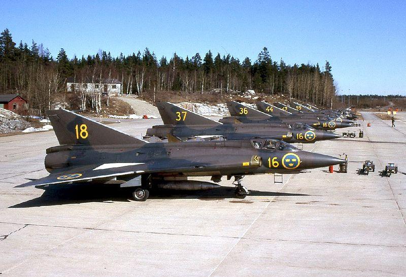 800px-Saab_J_35A-01.jpg