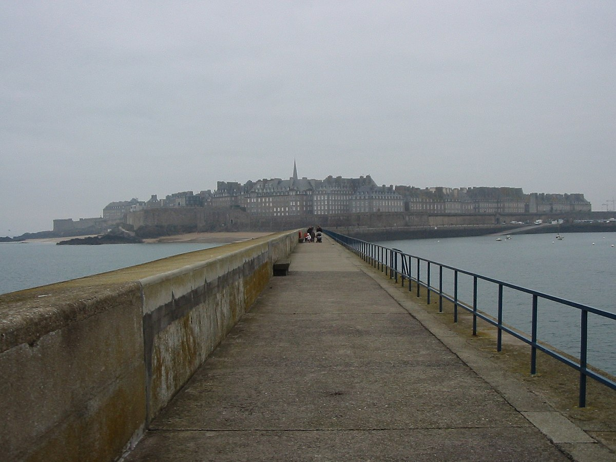 Ville intra muros saint malo wikipedia for Piscine a saint malo