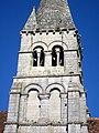 Saint-Vaast-de-Longmont (60), église Saint-Vaast, clocher de 1130, détail.jpg