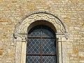 Saint-Vaast-sur-Seulles église fenêtre 02.JPG