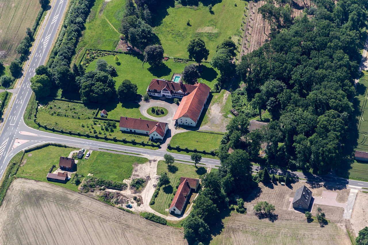 File:Salzbergen, Gutsschänke Holsterfeld -- 2014 -- 9598.jpg ...