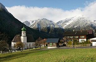 Kirchdorf with the parish church St. Gallus