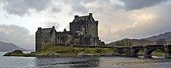 Scotland Eilean Donan Castle.jpg