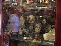 Seattle - Curiosity Shop shrunken heads 01.jpg