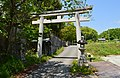 Shiki-no-miagatanimasu-jinja, torii.jpg