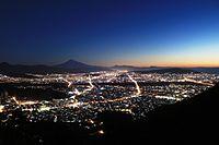 Shizuoka city at night from Choseniwa.jpg