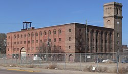 Simmons Hardware Warehouse (Sioux City) from SE 2.JPG