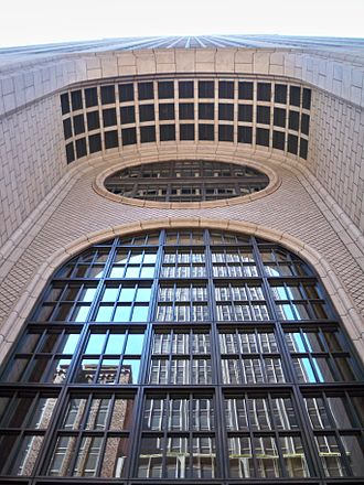 550 Madison Avenue - Main entrance