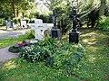 Sossenheim, Friedhof, Gräber der Pfarrer.JPG